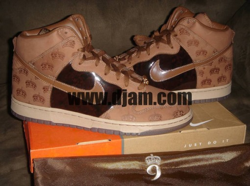 1dj-am-crown-dunks-2